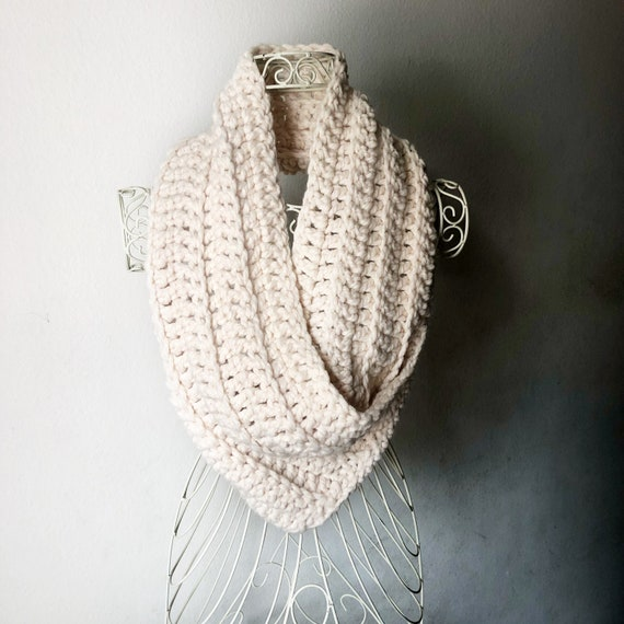 Queen Cowl in Cream