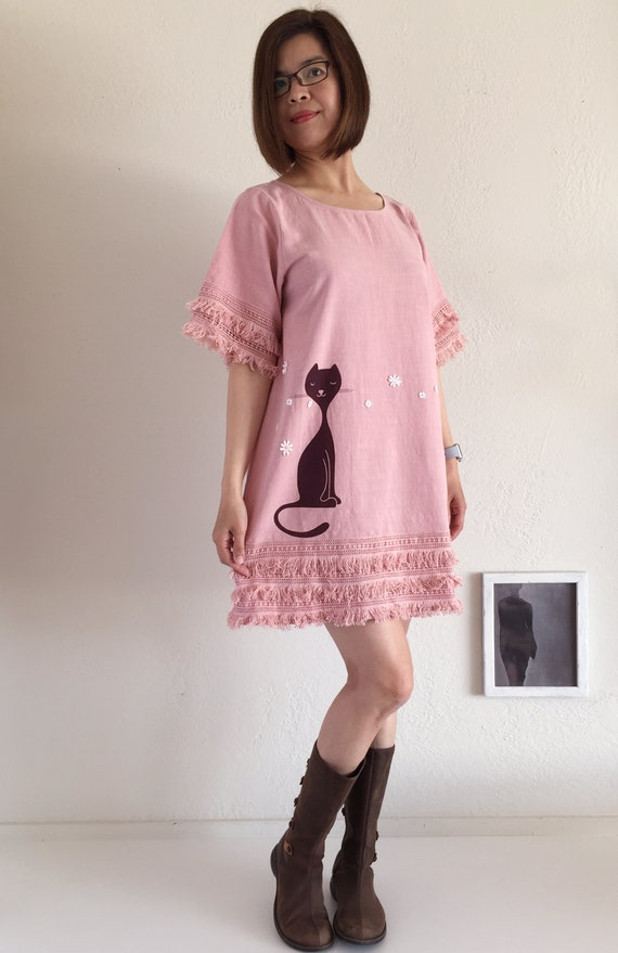 Short Sleeve Round Neck Dress with Layered Fringe Crochet Hems, Cotton Appliquéd Shift Dress, Pink Tunic with Cat Print and Floral Appliqué