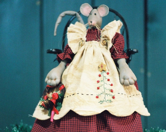 Christmas Mouse - Cloth Doll E-Pattern - 19in Christmas Mouse epattern