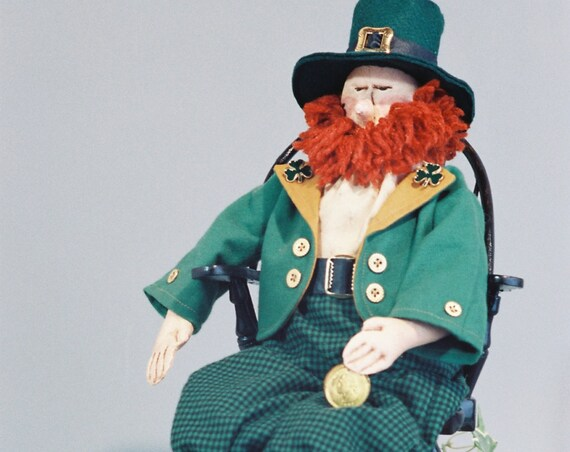Robbie - Mailed Cloth Doll Pattern 20in Saint Patricks Day Irish Leprechaun