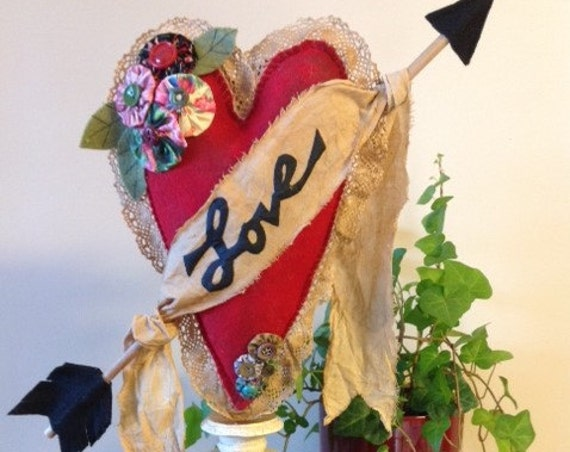 "Valentine ""Love"" Heart - Mailed Sewing Pattern Decorative Vintage Valentine Heart"
