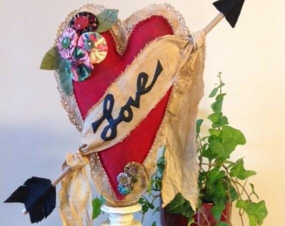 "Valentine ""Love"" Heart - Sewing E-Pattern Decorative Vintage Primitive Valentine Heart"
