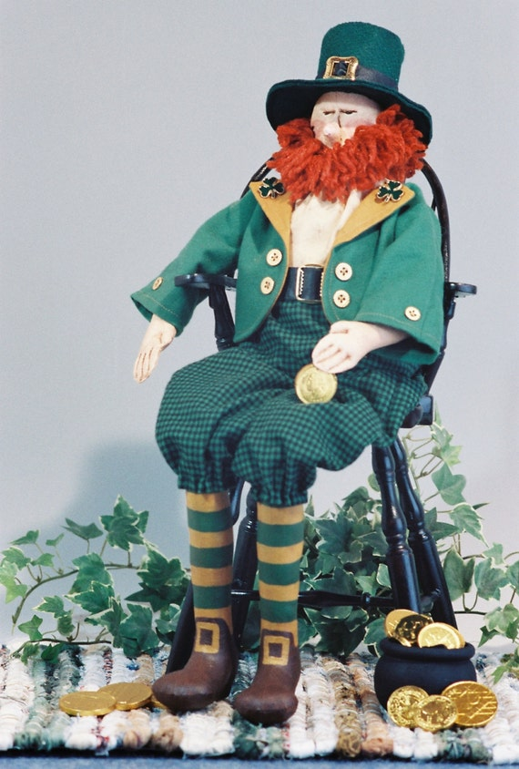 Robbie - Cloth Doll E-Pattern - 20in Leprechaun Doll pattern