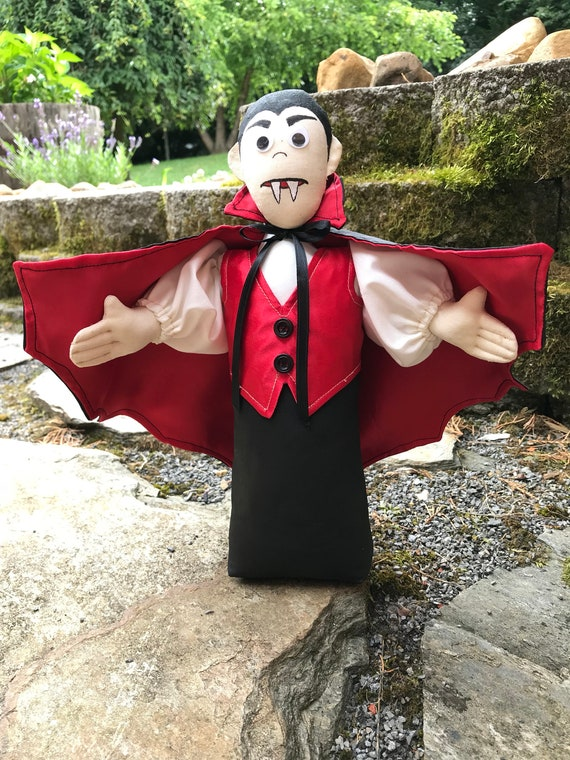 Count Dracula FH-173 mailed cloth doll Halloween Vampire free standing stump doll pattern