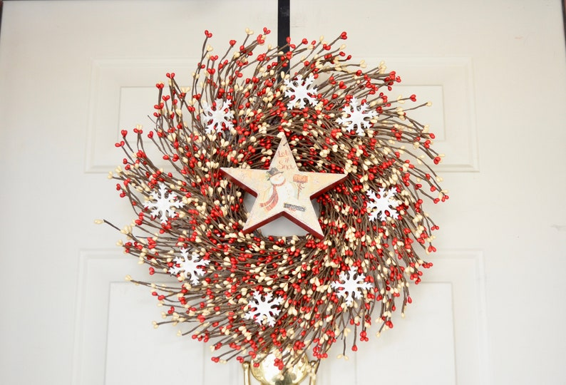 Let It Snow wood star wreath Red Cream berries Tin snowflakes image 0