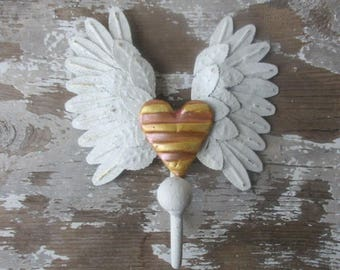 Angel wings hook winged heart shabby white distressed paint metal wall hook romantic decor rose gold striped heart N5