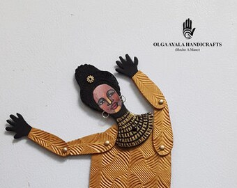 """Magnetic Clay """"Paper"""" Doll With Jointed Limbs - Goldie"""
