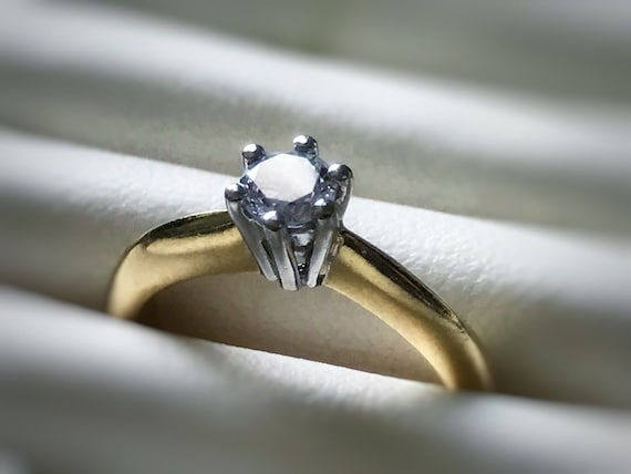 Vintage 18K Gold Certified Natural Diamond Solitaire Ring by Ernest Jones