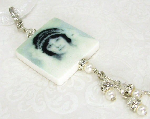 A Wedding Bouquet Photo Charm that loaded with sparkle - BC2fa-Gl
