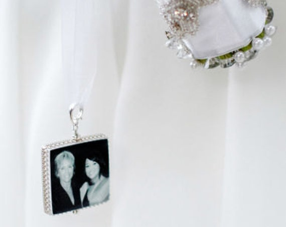 Classic Framed Bridal Bouquet Memorial Charm - Large - FBC1C