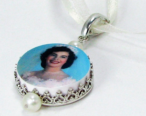 Small Photo Memorial Charm for your bouquet with a Sterling Frame.