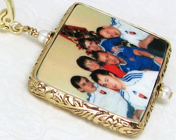 A Photo Pendant framed in a 14K Gold-filled Floral Frame - Large - FP1FGf