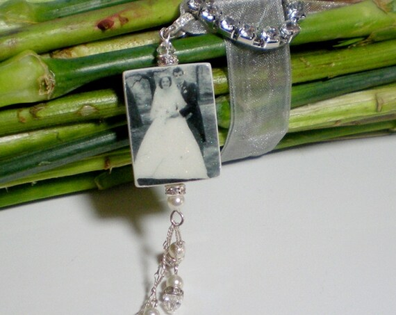 Bridal Bouquet Glitter Photo Charm - Medium