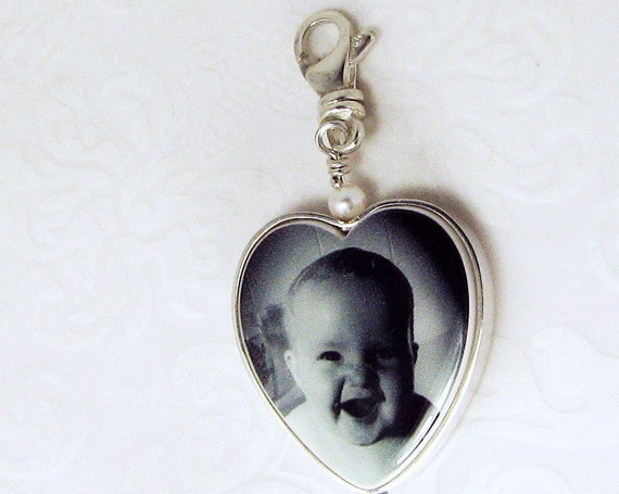 "Shiny Flat Framed Heart Photo Pendant on a Swivel Lobster Claw Clasp - Small (.75"")"