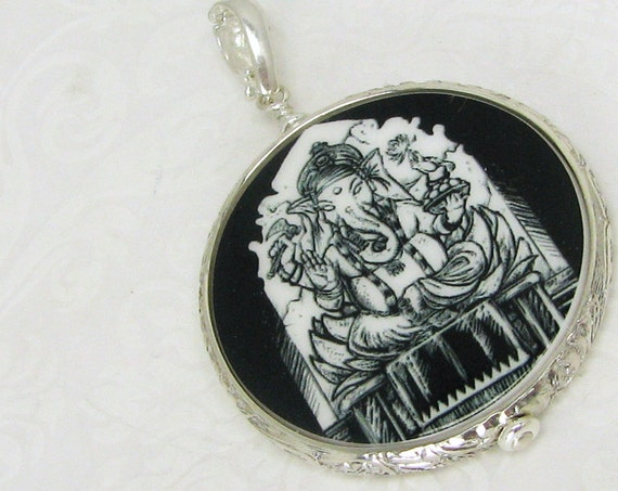 "Floral Framed Round Photo Pendant - Medium (1"")"