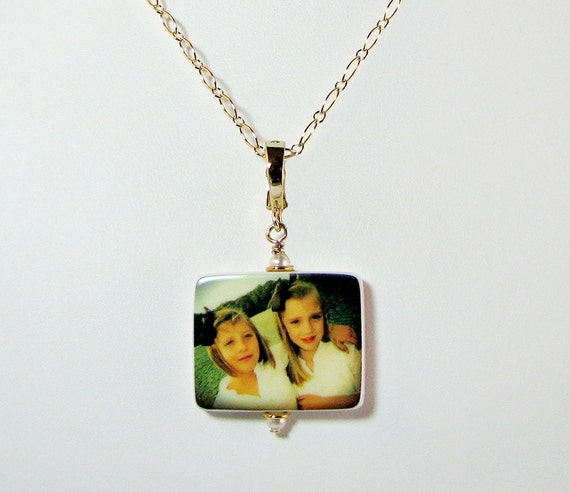 Photo Pendant on Gold Filled Chain - Handmade Photo Jewelry - Medium P2fNGf