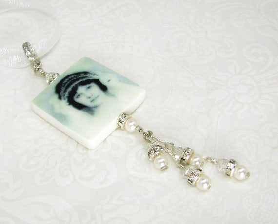A Wedding Bouquet Charm that loaded with sparkle - BC2fa-Gl
