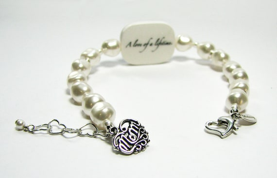 Custom Pearl Bracelet, Medium Photo Charm with Sterling 'Mom' Charm - P2RaB3