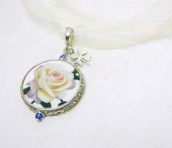 Your Something Blue, A Bouquet Memorial Charm with a Clover - Medium - FBC16Fa