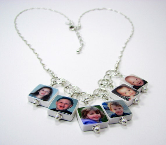 Grandma's Necklace - Photo Charm Necklace With 6 Dangling Charms - C4x6N