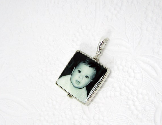 "Shiny Half-Round Framed Photo Pendant on a Hinged Bail - Medium (1"")"