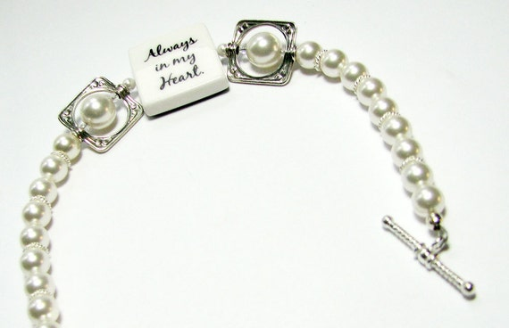 Brides Bracelet with Pearls and Small Photo Charm - P3B8a