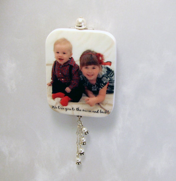 Custom Photo Brooch With magnetic Back - 04MBa