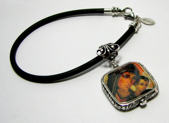 Photo Charm on a Black Rubber Bracelet - Small - FP3FfRB