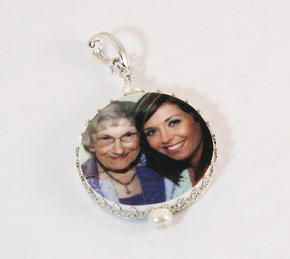 "Princess Framed Round Photo Pendant - Medium (1"")"