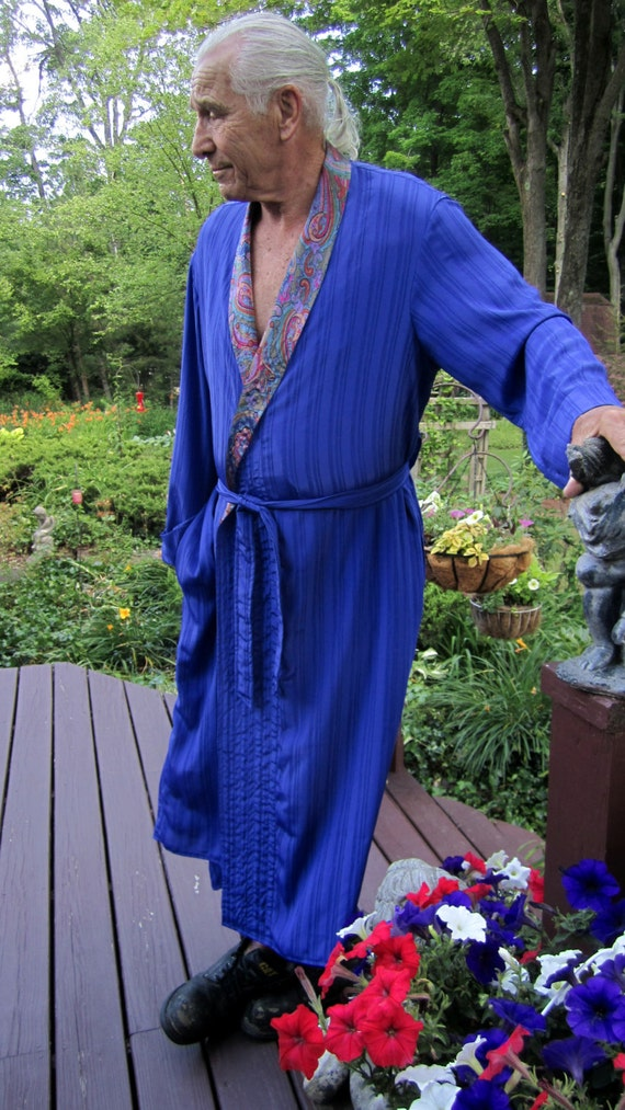 46554608dc ... Handmade  65.00 SALE Finished Item  100M   Manly Men s Lounging Robe Power  Down   Relax