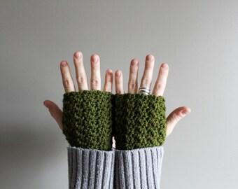 crochet fingerless gloves in CUSTOM COLOUR - vegan friendly - driving gloves