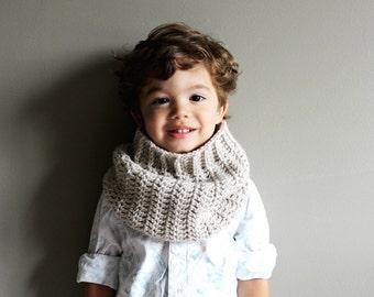toddler crochet cowl in CUSTOM COLOUR (vegan friendly) 2T/3T - boys scarf