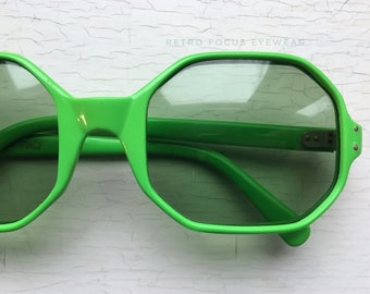 2fab0bdd70 French 60 s Rare Green Octagon 8 sided Non Prescription Sunglasses Made in  France Eyewear Glasses Eyeglasses Frames Vintage
