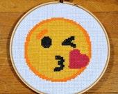 Blowing Kiss Emoji - easy cross stitch pattern, PDF *instant download*
