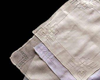 4 Antique VIntage White & Ivory Cutwork Handkerchiefs Hand Embroidery Hankies Bride Gift Wrap 1930 - 50s Applique Flowers