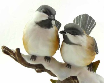 Vintage 1991 Homco Little CHICKADEE Baby Birds 3989 Snow Topped Tree Branch Muzuni Signed Porcelain Figurine Home Interiors