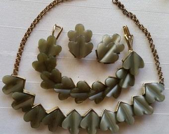 Green Leaf Thermoset Parure - Necklace, Bracelet Earrings