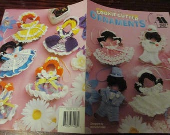 Holiday Thread Crochet Patterns Cookie Cutter Ornaments Annie's Attic 879403 Special Occasion Crochet Pattern Leaflet