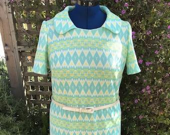Vintage 1970s Plus-Size Geometric Pattern Midi-Dress with Belt
