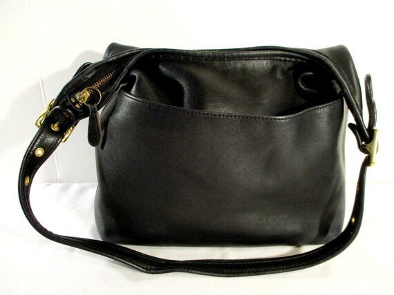 United States COACH bag, Coach bucket bag, Black l