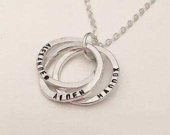 Interlocking Circles Necklace -   Mom Necklace - hand stamped necklace - personalized necklace - mothers necklace - Russian Rings -