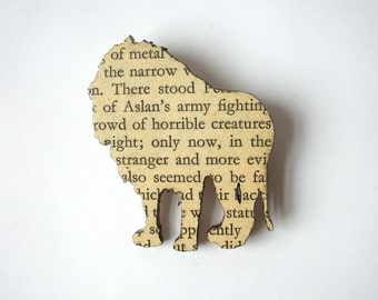 The Lion, the Witch and the Wardrobe - Lion brooch. Classic book brooches made with original pages.