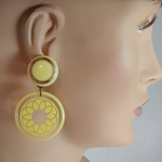 Mod 1960s lucite earrings dangle drop earrings yel