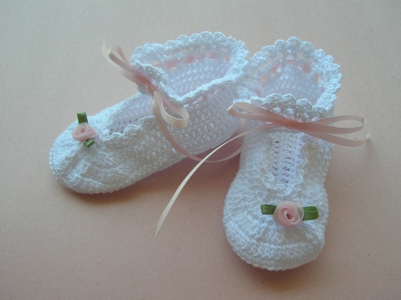05a1403a4e394 Crochet Baby Booties,White Baby Booties, Christening Baby Booties, Blessing  Booties, Newborn Booties, Heirloom Booties, Baby Girl Booties,