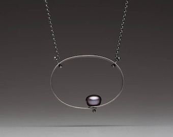 Oval Necklace with Pearl
