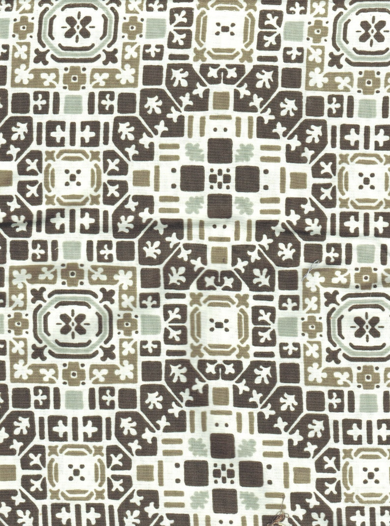 Clearance 2 yards French Quarter Curious Nature by Parson image 0