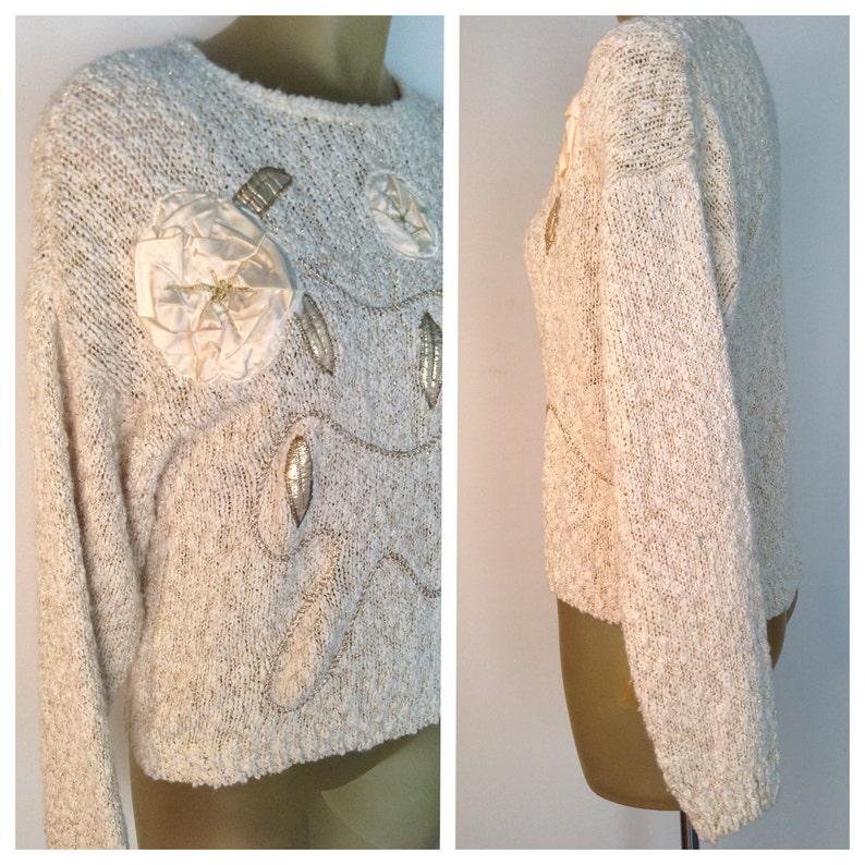 b0b2f3f77 Beige oro flores de Satén Vintage suéter suéter de la década