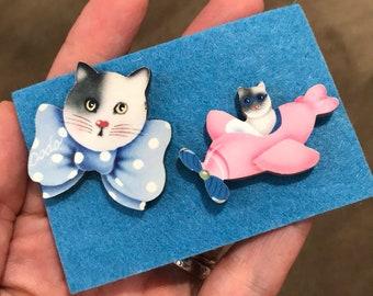 Vintage Cat Earrings, Fun Cat Vintage 80s Earrings Cute Kitty Vintage Earrings Mismatched Earrings Funky 80s Vintage Kitty Earrings Airplane