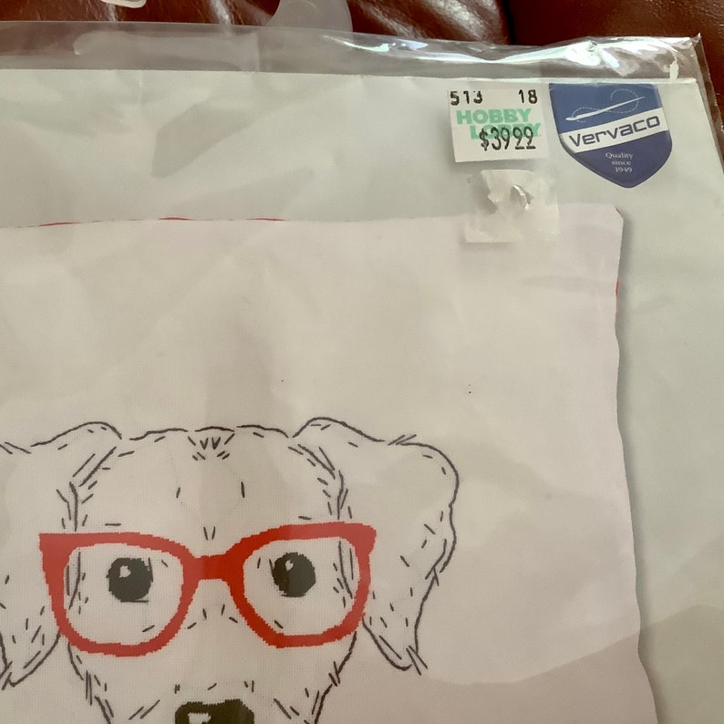 1 new sealed package Zippered Pillow Cover Embroidery Kit of Dog with Glasses Excellent condition