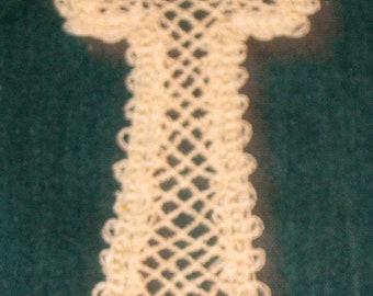 Battenburg or Battenberg ecru Lace cross no trim